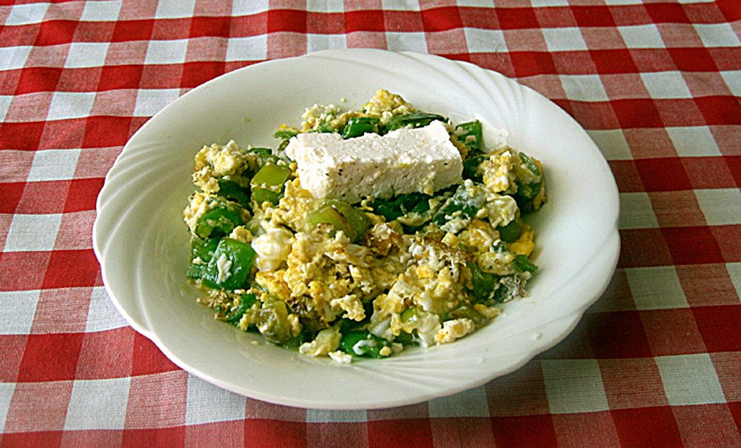 манджа чушки със сирене и яйца