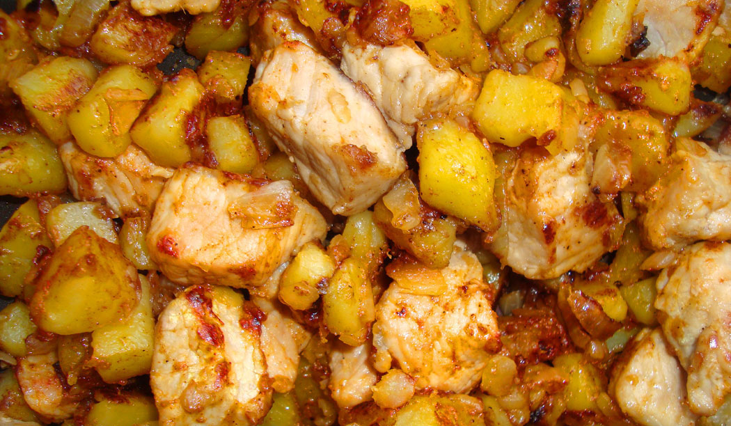сотирани картофи с месо и лук