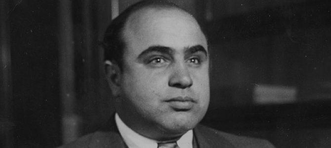Ал Капоне - Белязаният гангстер от Чикаго - ABRITVS