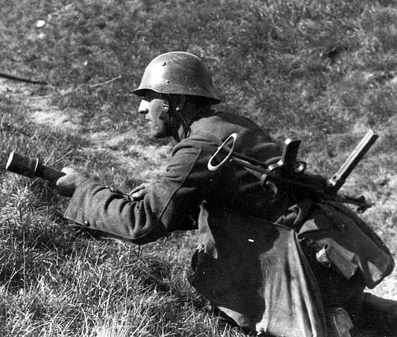 български войник