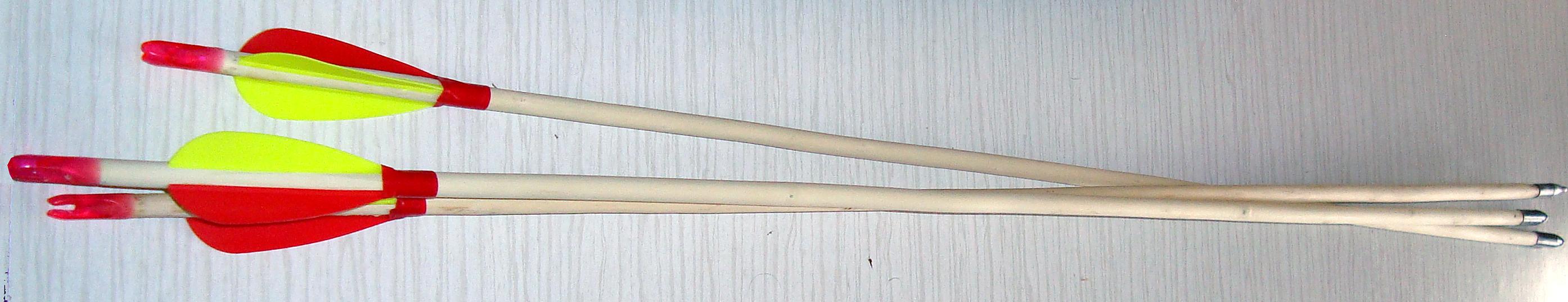 дървени стрели за лък