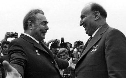 Брежнев и Живков в братска прегръдка